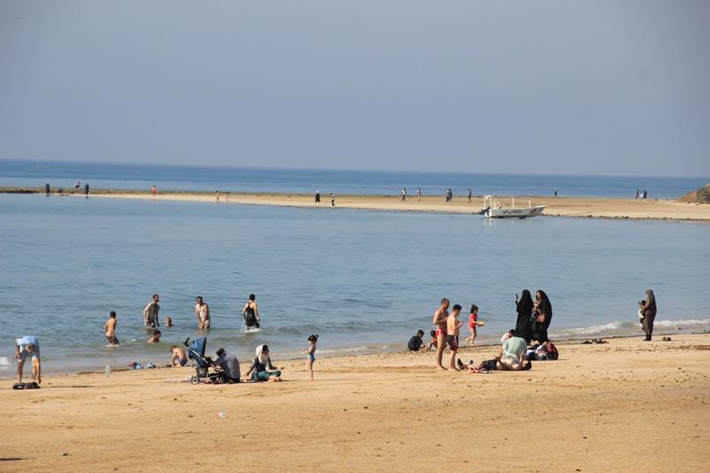 شنا در ساحل قشم