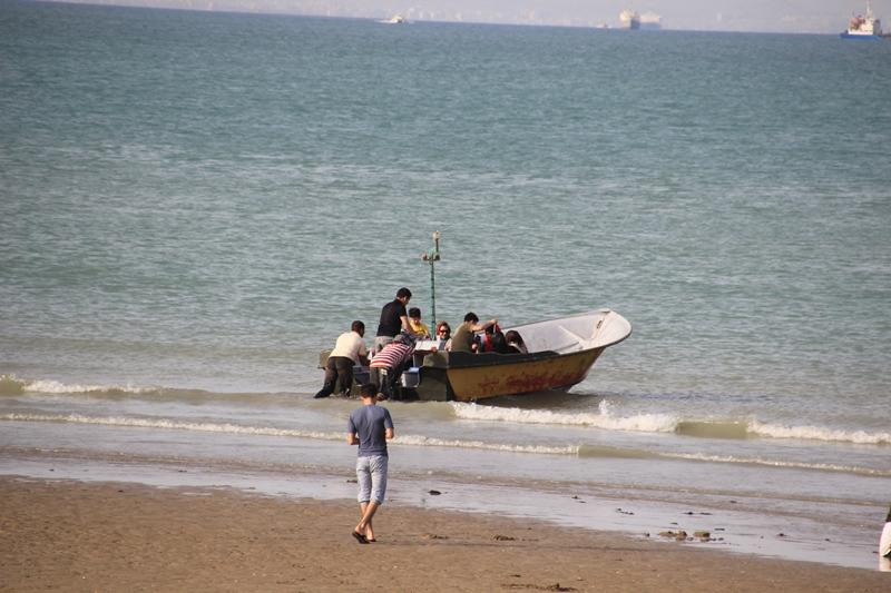 قایق تفریح دریا قشم