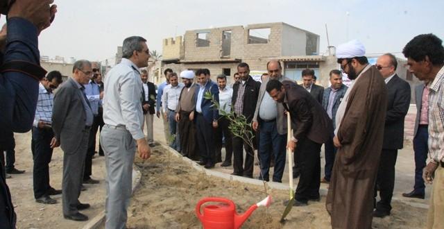 آئین درختکاری در قشم برگزار شد