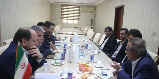 نشست شورای شهر قشم با معاونان و مدیران سازمان منطقه آزاد