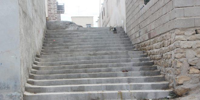 رفع خطر و احداث پله در محله توحید قشم