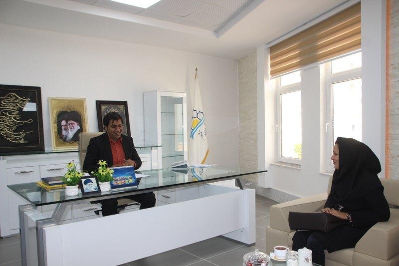 دیدار رئیس انجمن کتابخانه های قشم با شهردار