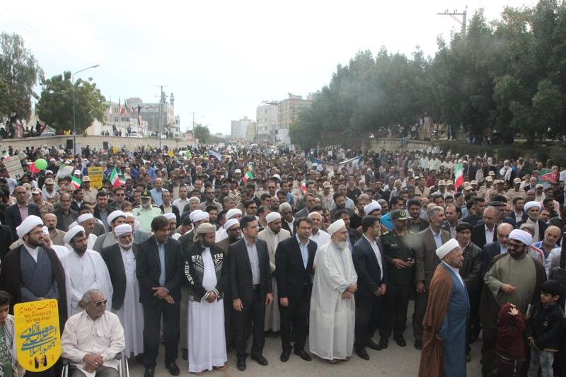 تجلی حضور حماسی مردم شهر قشم در راهپیمایی ۲۲ بهمن
