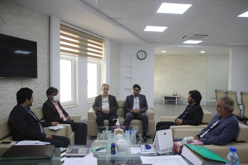 دیدار اعضای شورای شهر با آل عبائی و تبریک روز شهردار
